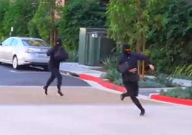 Une image de la vidéo YouTube de la farce des jumeaux Stokes.  Crédit: YouTube / Alan et Alex Stokes