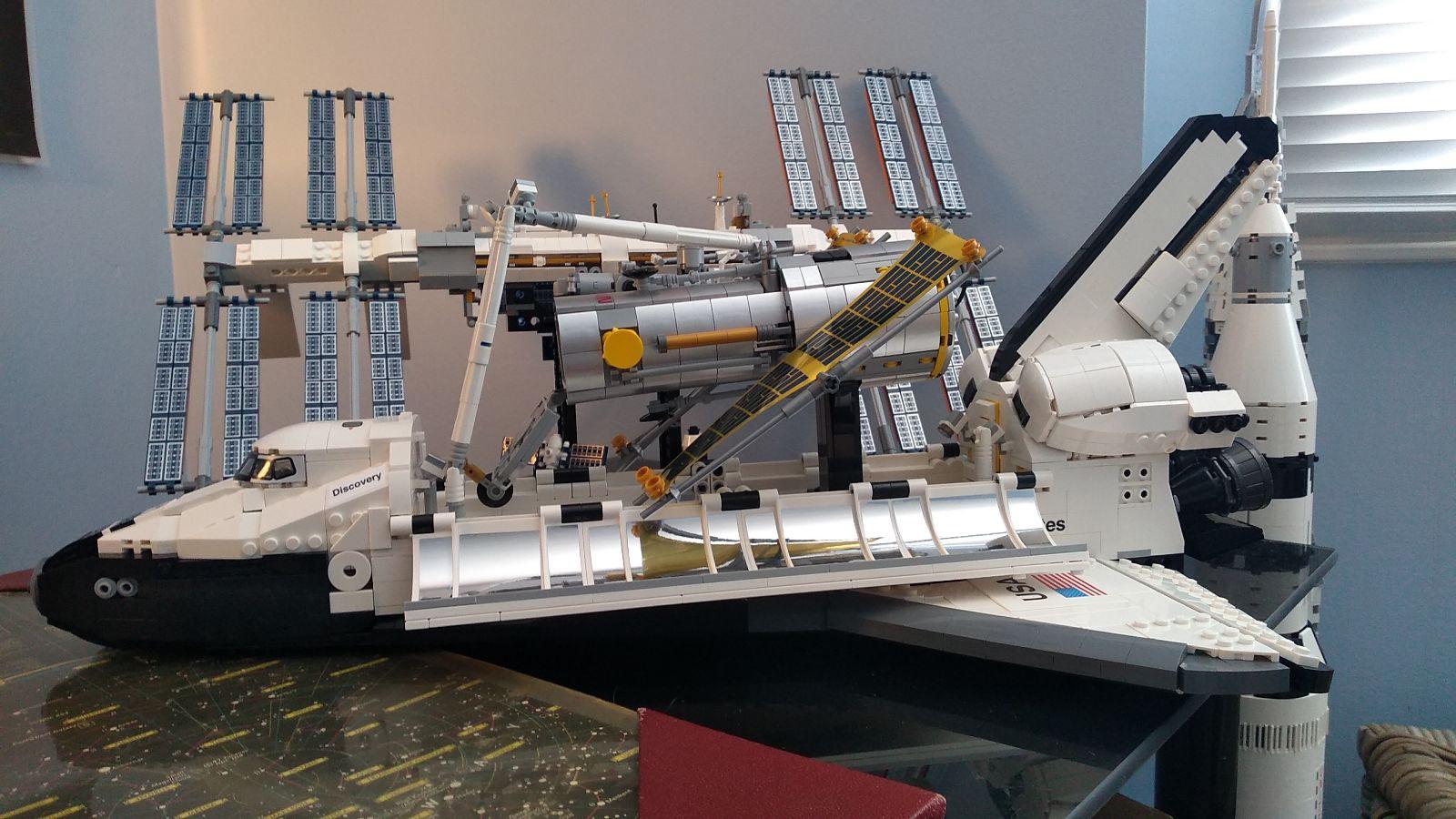 L'ensemble de découverte de la navette spatiale de la NASA de Lego est le rêve de tout geek de l'espace.