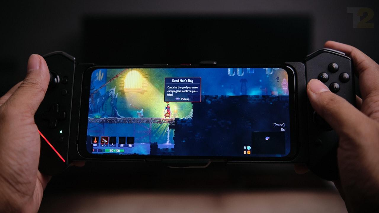 Lorsqu'il est entièrement accessoirisé et à condition que vous ayez trouvé un jeu optimisé pour le contrôleur, l'expérience de jeu sur le ROG 5 est incomparable.  Image: Anirudh Regidi