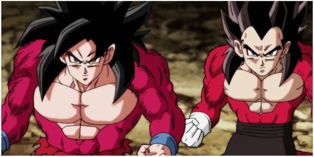Lorsqu'ils se déstransforment de Super Saiyan 4, Goku et Vegeta récupèrent leurs vêtements comme s'ils n'avaient pas été détruits en devenant Ozarus (Photo: Toei Animarion)