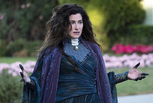 """Kathryn Hahn joue Agatha Harkness sur """"Wandavision"""" et a reçu des critiques élogieuses pour son interprétation du rôle.  (Photo: Disney +)"""