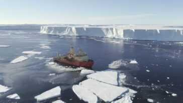 Le `` Glacier Doomsday '' De L'antarctique Proche Du Point