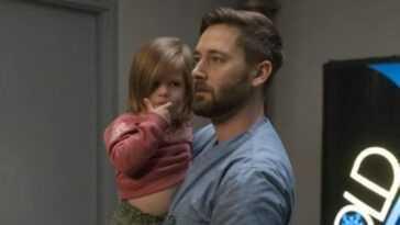 """""""New Amsterdam"""" 3x07: Max s'occupe de l'homophobie à l'hôpital et avec sa fille espiègle"""