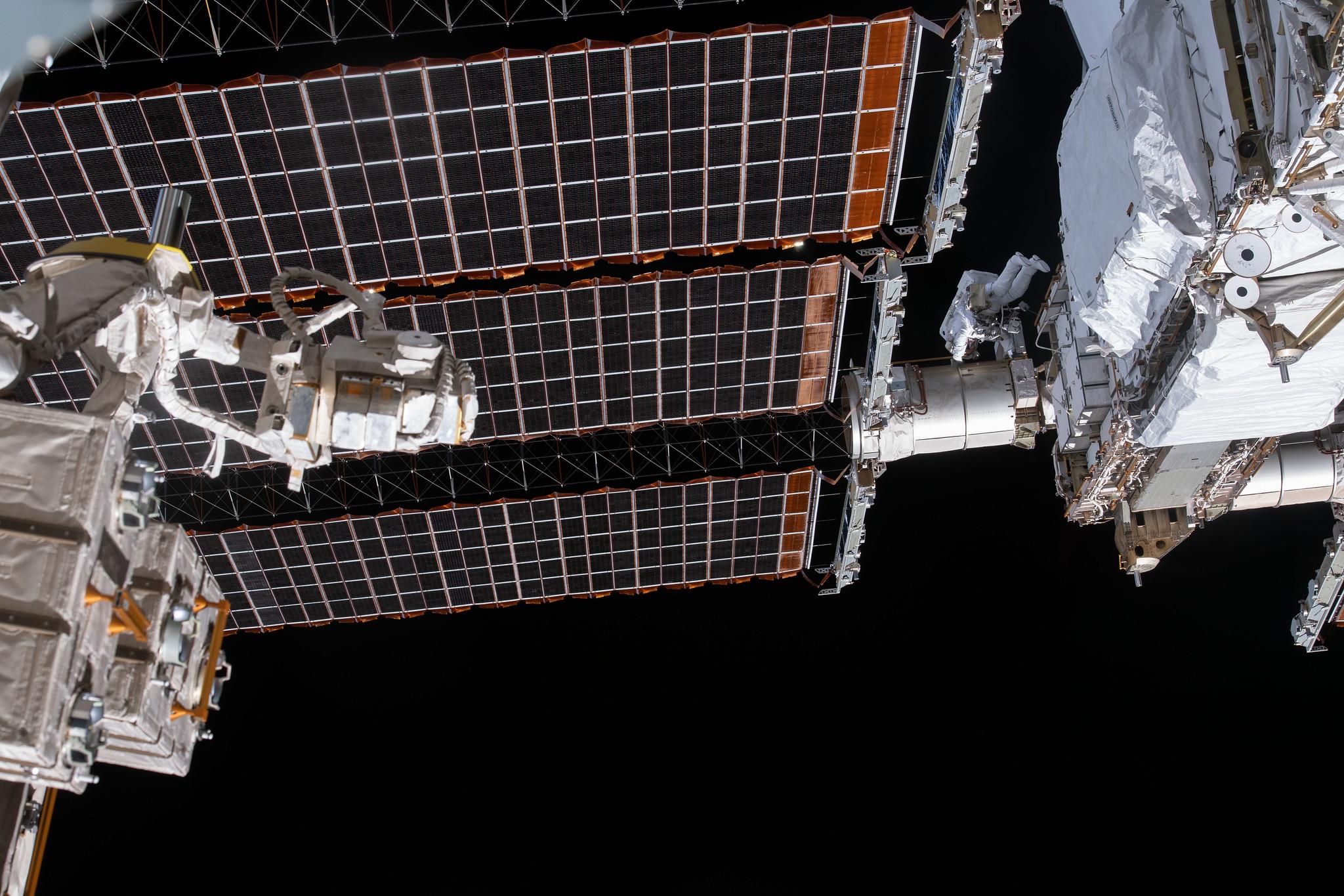 L'astronaute de la NASA Victor Glover vu lors d'une sortie dans l'espace le 27 janvier 2021.