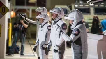 Ces 4 Astronautes Crew 2 Sont Prêts à Monter Une Fusée