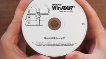 En 2021, il est possible d'acheter une copie officielle de WinRAR sur CD, et c'est l'une des (probablement peu) personnes qui l'ont fait