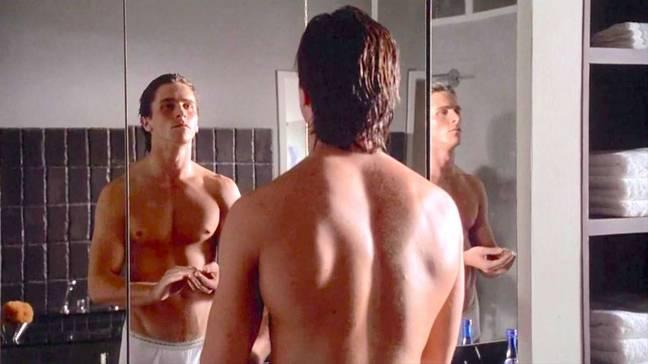 Bale joue Patrick Bateman dans American Psycho.  Crédits: Lionsgate