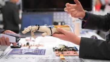 L'Europe crée le premier règlement sur l'intelligence artificielle et les robots: c'est le nouveau règlement et comment se passe la reconnaissance faciale