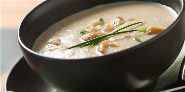 Soupe aux châtaignes, céleri-rave et pomme
