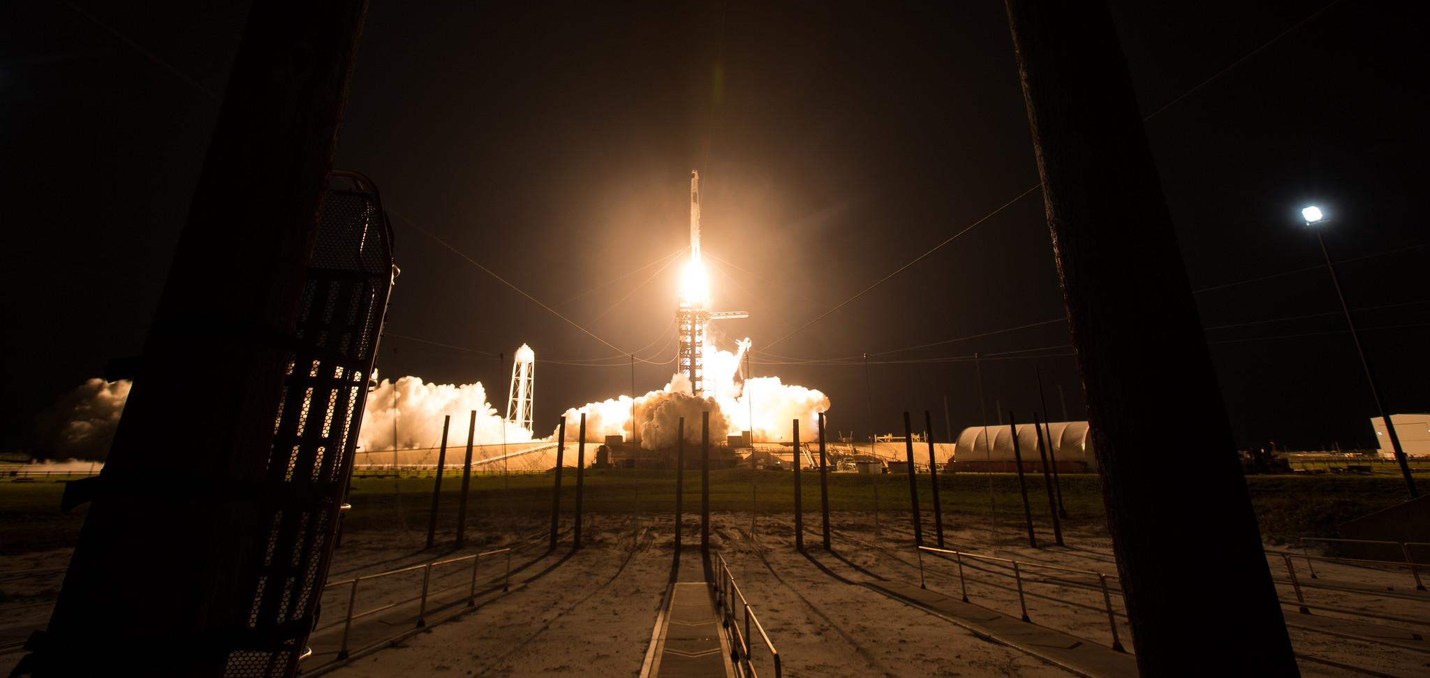 Crew-2 décolle le 23 avril 2021 du centre spatial Kennedy de la NASA en Floride.