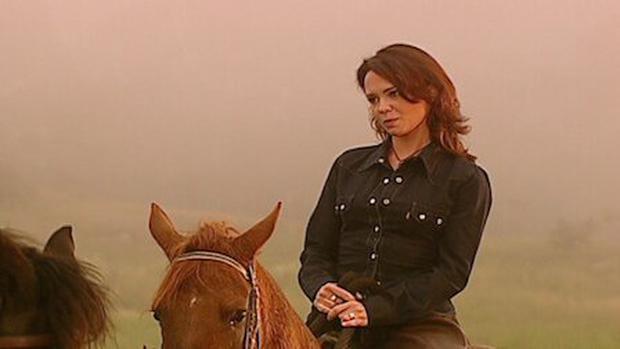 Bien qu'il prenne des cours d'équitation, il ne pouvait pas perdre sa peur de rouler.  (Photo: Caracol Tv)