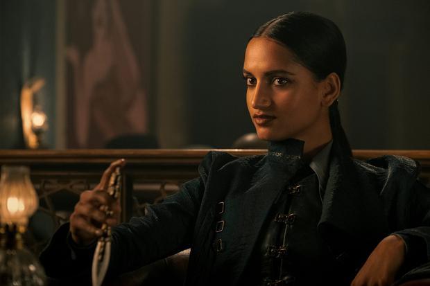 "Amita Suman joue Inej Ghafa dans ""Shadow and Bone"" (Photo: Netflix)"