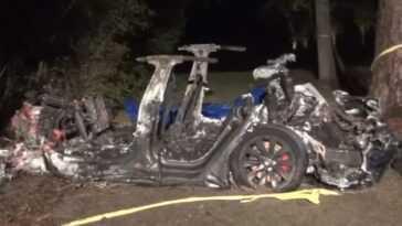 Deux Tués Dans Un Accident Enflammé De Tesla Model S,