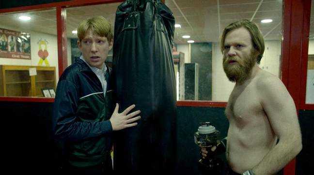 Domhnall et Brian Gleeson dans 'Frank of Ireland'