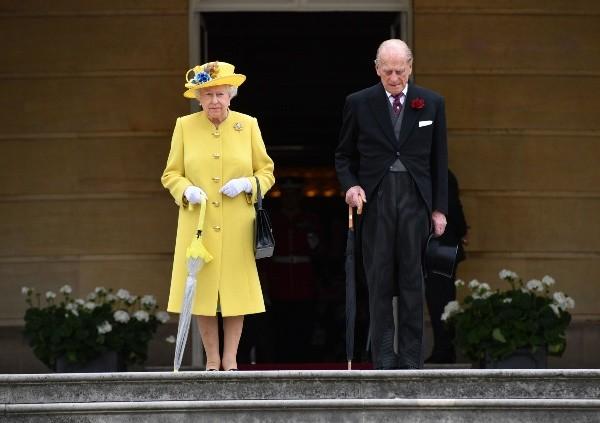 Philip d'Edimbourg et Elizabeth II étaient visiblement en colère contre Peter Morgan.  Photo: (Getty)