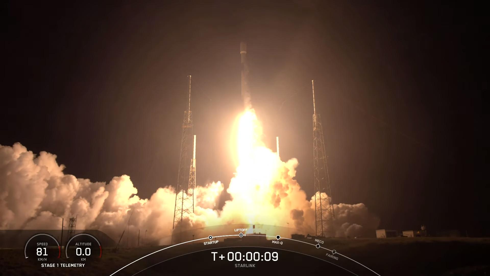 Une fusée SpaceX Falcon 9 est lancée sur la mission Starlink 24, le 28 avril 2021, à 23 h 44 HAE (03 h 44 le 29 avril GMT).