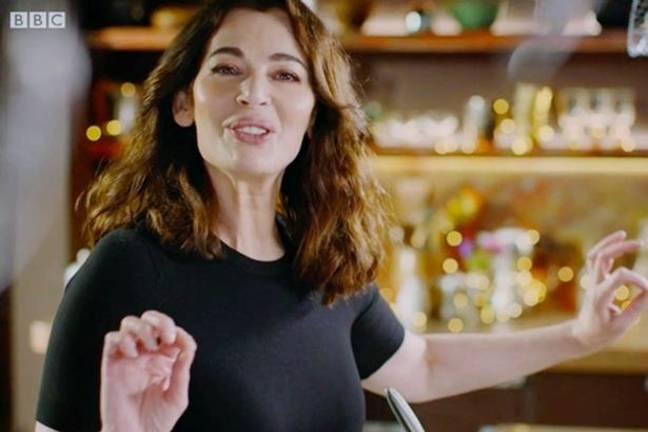 Nigella pourrait gagner un BAFTA pour son moment mee-cro-wah-vay.  Crédit: BBC