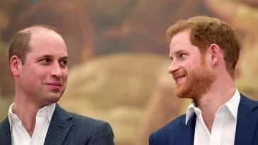 Le prince Philip a dit à la famille royale de ne jamais donner d'interviews personnelles, dit un ami et biographe
