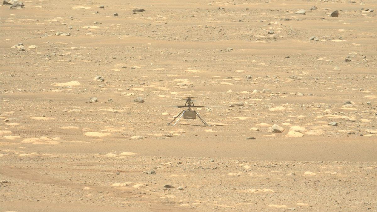 Une image de l'hélicoptère Ingenuity Mars capturée le 16 avril 2021 par la caméra Left Mastcam-Z du rover Mars Perseverance.