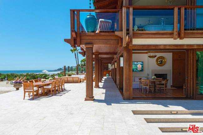 La maison de Pierce Brosnan à Malibu (Crédit image: Realtor.com)