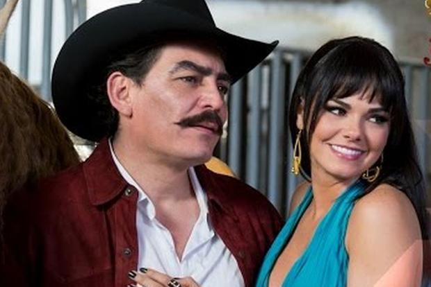 José Manuel Figueroa et Livia Brito ont joué dans la biosérie.  (Photo: Univision)