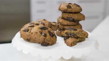 Biscuits végétaliens aux morceaux de chocolat noir
