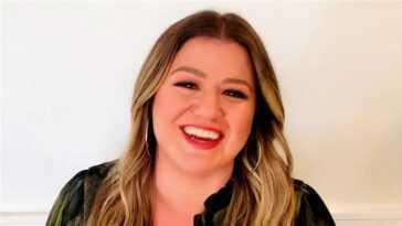 Regardez l'interprétation émouvante de Kelly Clarkson du `` drapeau blanc '' de Dido pour `` Kellyoke ''