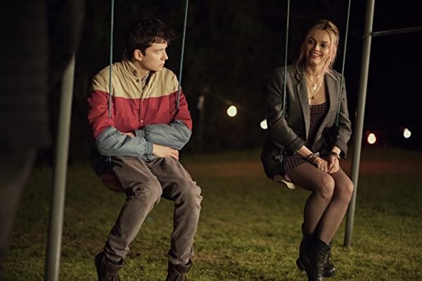 Asa Butterfield et Emma Mackey.  Photo: (IMDB)