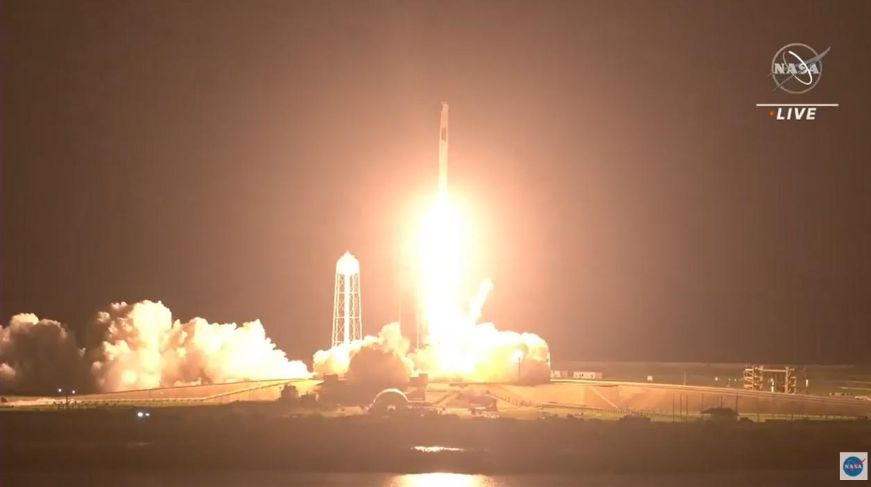Lancement de l'astronaute SpaceX Crew-2 pour la NASA.