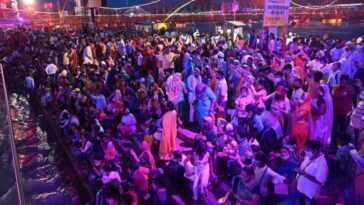 Un Festival Religieux Rassemble Des Millions De Personnes En Pandémie
