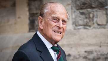 Voici pourquoi la reine rigolait sur cette photo virale avec le prince Philip