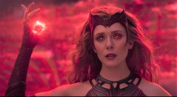 Scarlet Witch est d'abord décrite comme un supervillain réticent aux côtés de son frère jumeau Pietro Maximoff.  (Photo: Marvel)
