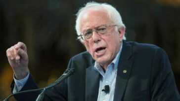 Bernie Sanders Wife.jpg