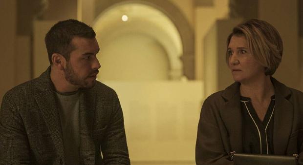 Sonia et Mateo ont joué à un jeu de rôle, où il se faisait passer pour Dani (Photo: Netflix)