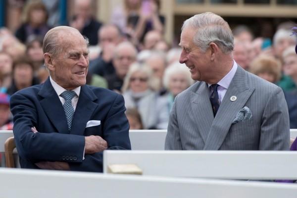 Le prince Charles et Philip d'Édimbourg ont été les plus durement touchés par la Couronne.  Photo: (Getty)
