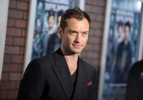 Jude Law n'était pas à l'aise avec Bond.  Photo: (Getty)