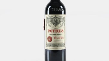 La Première Bouteille De Vin `` Vieilli Dans L'espace ''