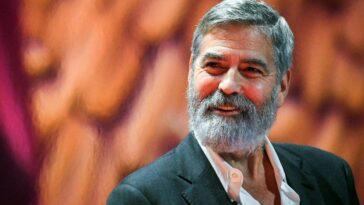 George Clooney révèle son fanatisme pour Brad Pitt dans une campagne caritative