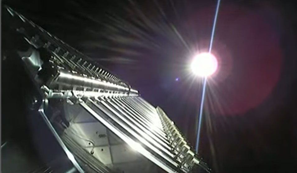 Une fusée SpaceX Falcon 9 transportant 6 satellites Internet Starlink lance un 10e vol record depuis le complexe de lancement spatial 40 de la station spatiale de Cap Canaveral en Floride le 9 mai 2021.