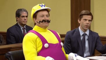 Elon Musk fait une farce Dogecoin et porte Wario sur SNL