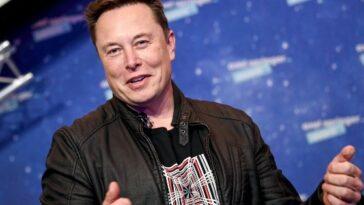 Elon Musk a fait ses débuts sur Saturday Night Live et a révélé qu'il avait Asperger