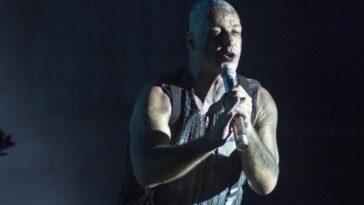 Till Lindemann de Rammstein partage son nouveau single, `` Lubimiy Gorod ''