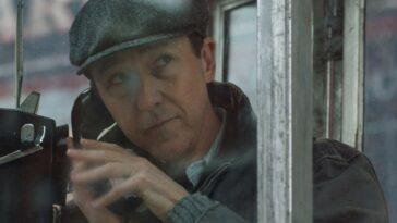 """Edward Norton rejoint le casting de """"Knives Out 2"""""""