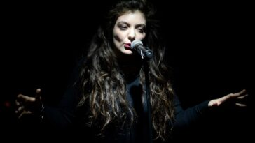 """Lorde atteint un nouveau record de streaming avec """"Royals"""""""
