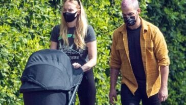 Il est le même que le père: voici à quoi ressemble Willa, la fille de Joe Jonas et Sophie Turner