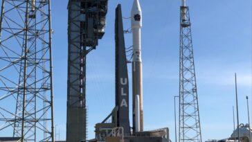 Regardez Une Fusée Atlas V Lancer Un Satellite D'alerte De