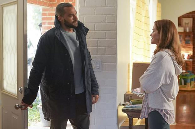 April est revenue pour `` prendre '' Jackson (Photo: Grey's Anatomy / ABC)