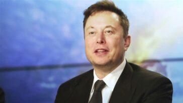 "Grimes taquine son apparition sur ""SNL"" avec Elon Musk: ""Regarde-moi essayer d'agir!"""