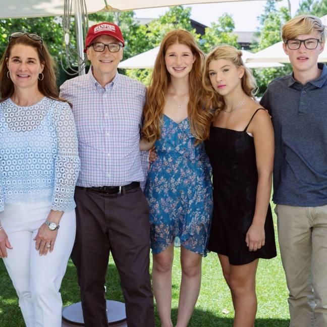 Jennifer Gates, au centre, avec sa famille.  Crédit: Instagram / Jennifer Gates