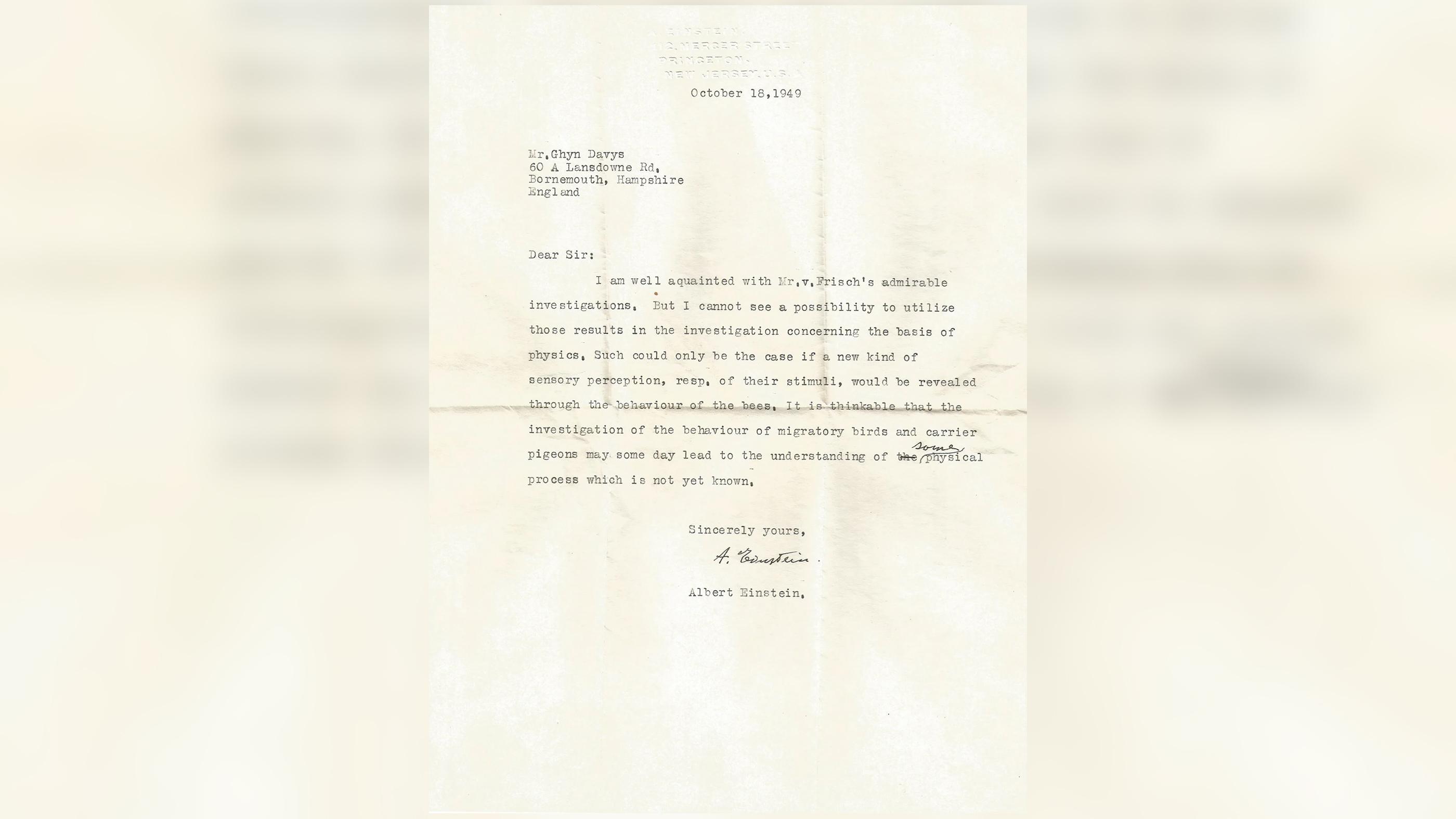 Lettre datée du 18 octobre 1949 par le professeur Albert Einstein de l'Université de Princeton (USA) à M. Glyn (écrite par M. Ghyn [sic]) Davys en Angleterre en référence aux travaux de von Frisch et à la perception sensorielle des animaux.